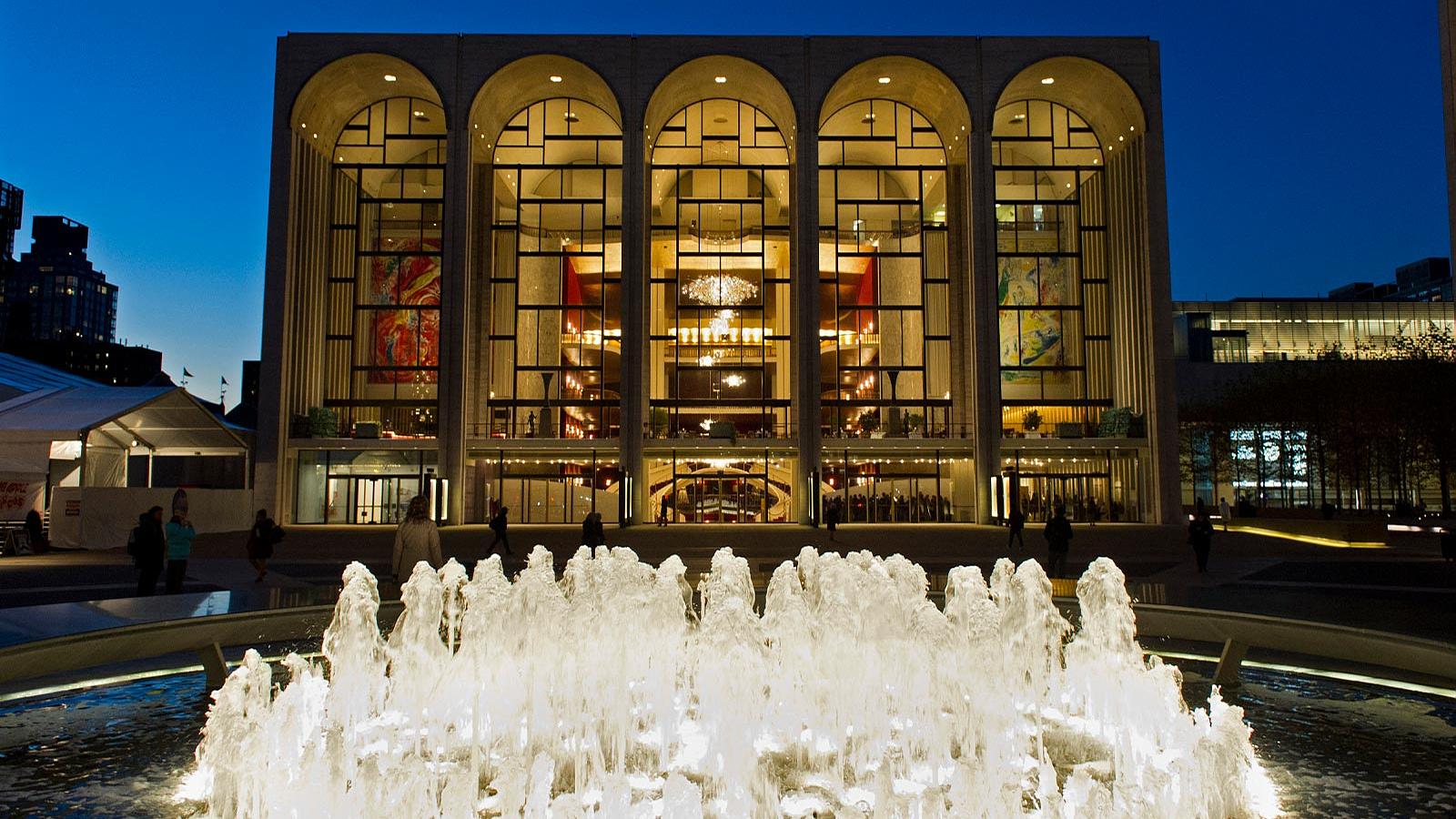 A New York-i Metropolitan Operaház lemondta az egész szezont